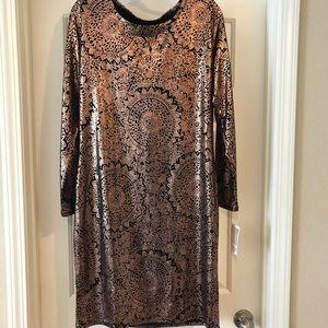 1f51ee31a7 LuLaRoe Dresses - NWT XL Lularoe Debbie rose gold medallion dress